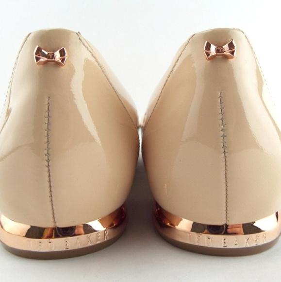 650121b59daf47 Ted Baker Izlar nude pointed toe flats sz 7.5. M 5a60e4192ab8c5384655bcfb